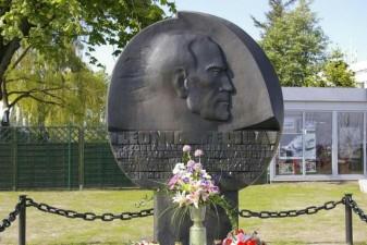 2010 r.-40 rocznica śmierci Leonida Teligi.