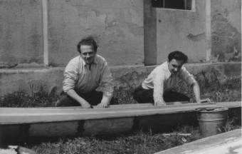 Remont kajaków w parku 1-go Maja 1957 r.